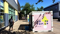 Pop-up store in PODS container